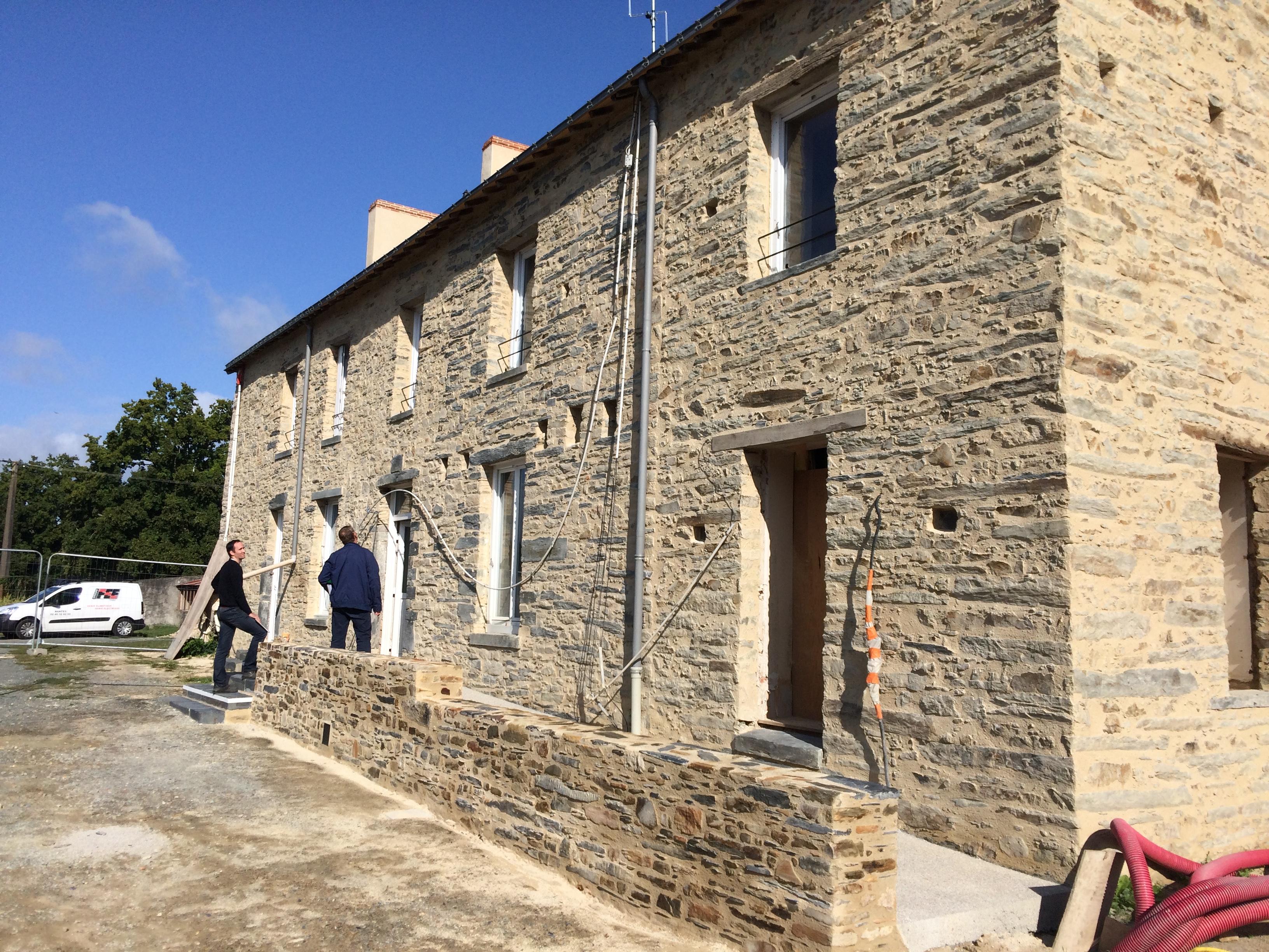 benaiteau réhabilitation ancien presbytère conquereuil enduits pierres vues